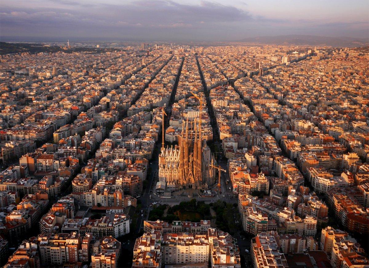 24 niesamowite zdjęcia uchwycone za pomocą drona, których wykonanie dziś byłoby nielegalne