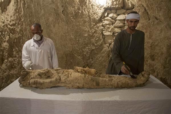 Archeolodzy znaleźli starożytne grobowce na południu Egiptu. Szacuje się, że mają 3500 lat