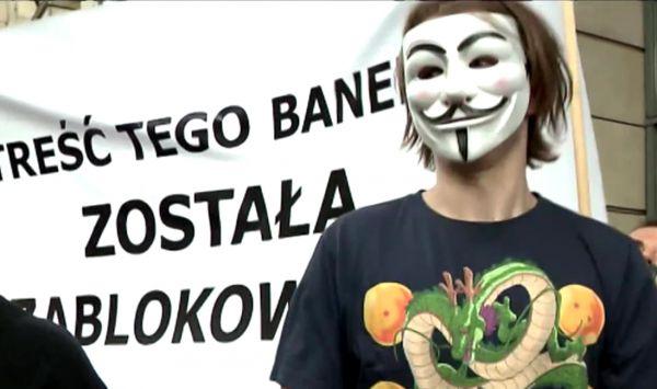 """W całej Polsce trwają protesty """"Stop ACTA 2"""". Co właściwie znajduje się w unijnej dyrektywie?"""