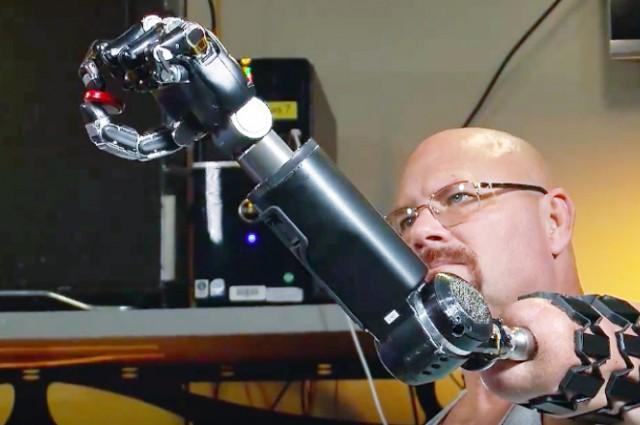 Stworzono sztuczną skórę, która pozwala odbierać bodźce czuciowe w amputowanych kończynach