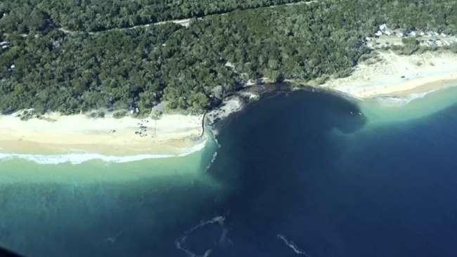 """Plaże w Australii są """"pożerane"""" przez ogromne osuwiska, a władze nie są w stanie nic poradzić"""