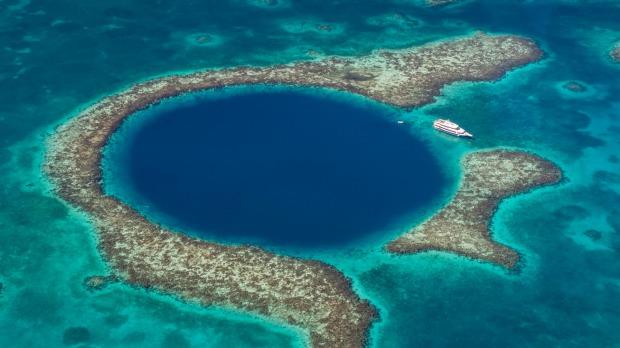 Co skrywa 124-metrowa Wielka Błękitna Dziura? Zespół nurków odkrył kilka tajemnic podwodnej struktury
