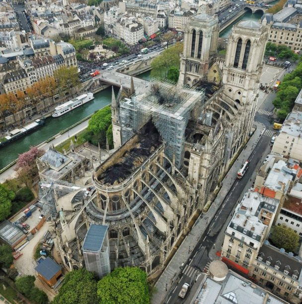 17 architektów zaproponowało nowy wygląd katedry Notre Dame. Jeden z nich może zostać wykorzystany