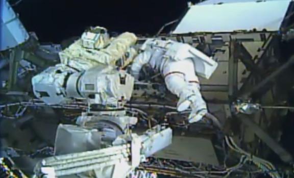 Dwie astronautki właśnie odbyły pierwszy w historii kobiecy spacer kosmiczny
