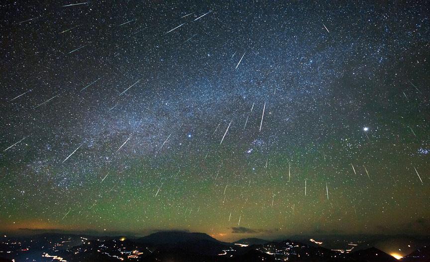 Jutro wypada szczytowa faza Geminidów. Nie przegap ostatniego w tym roku deszczu meteorytów