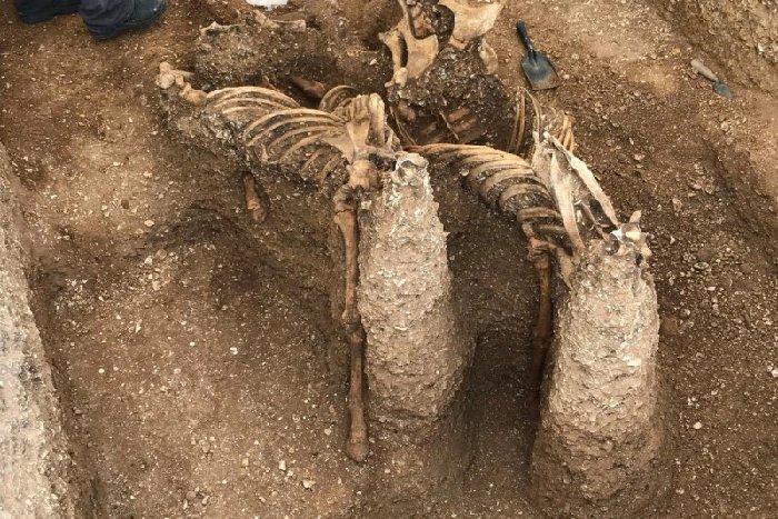 Celtycka tarcza odnaleziona przez archeologów uważana za najważniejszy brytyjski obiekt tysiąclecia