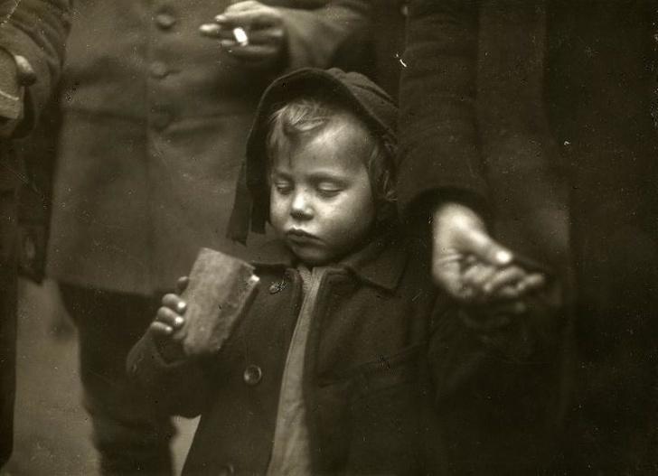 Poruszające zdjęcia z przeszłości, które sprawią, że na moment wstrzymasz oddech