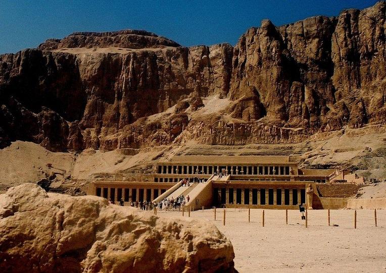 Zespół archeologów twierdzi, że odkrył miejsce ostatniego spoczynku Nefertiti
