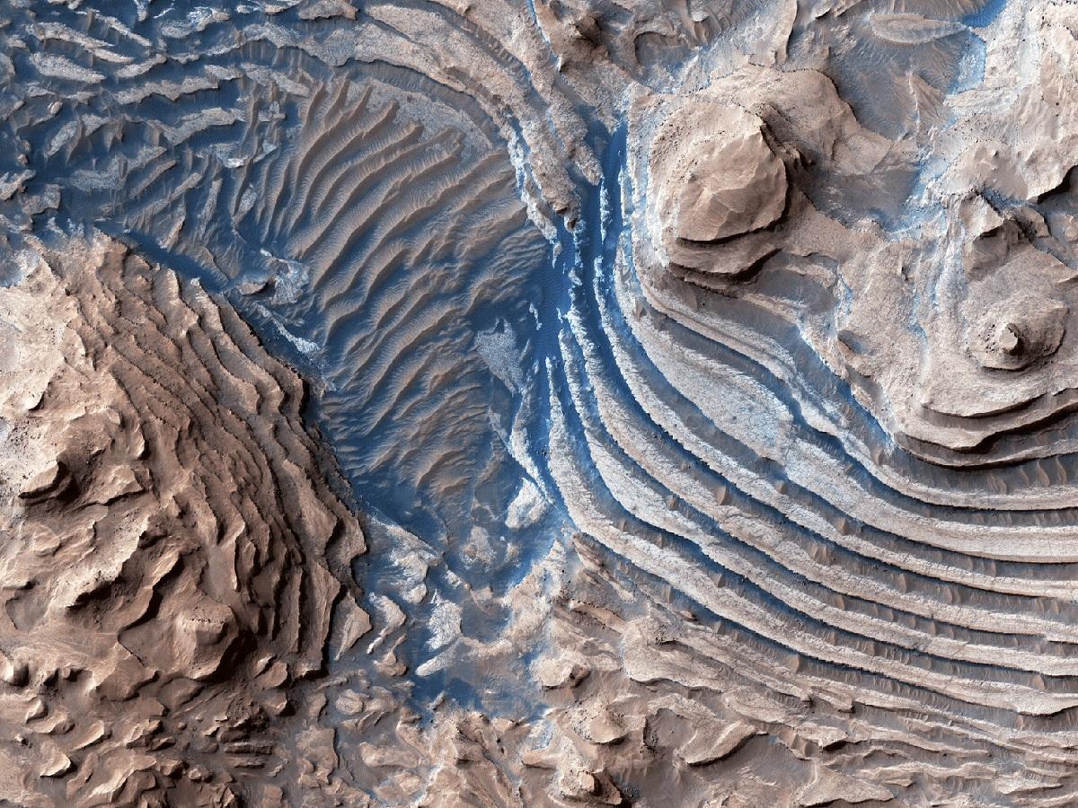 Zobacz zapierające dech w piersi zdjęcia Marsa uchwycone przez Mars Reconnaissance Orbiter