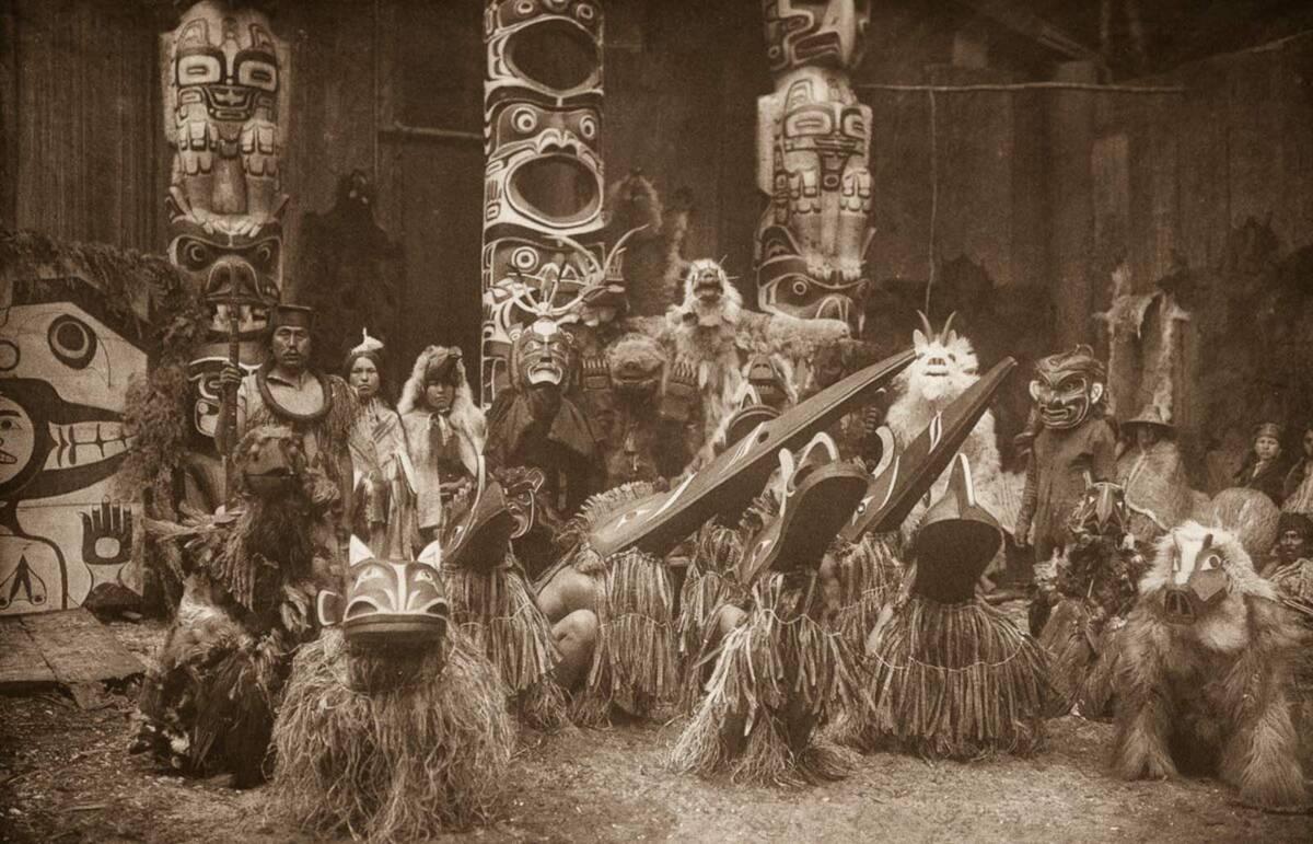 Rzadka kolekcja zdjęć przedstawiająca życie rdzennych Amerykanów na początku XX wieku