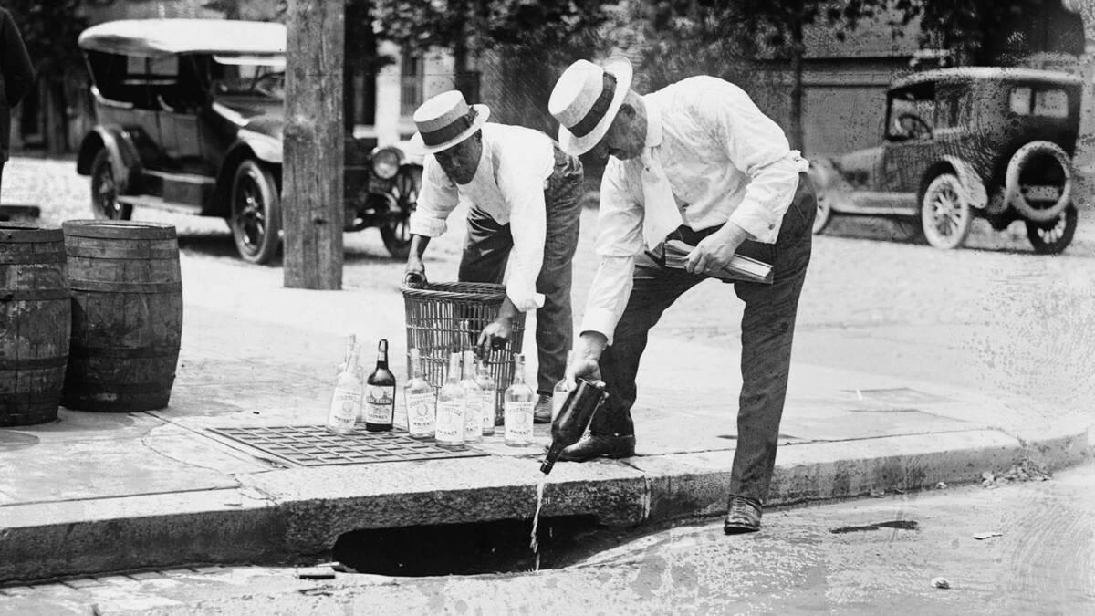 Krótka historia prohibicji na zdjęciach, czyli 13 lat w czasie których Amerykanie pożegnali alkohol