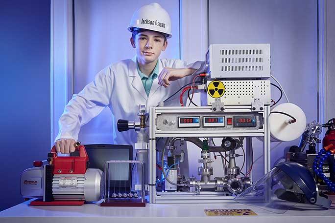 12-latek został najmłodszą osobą, która kiedykolwiek dokonała syntezy jądrowej