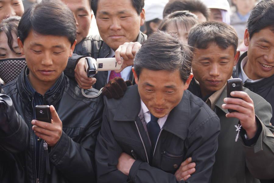 """Jak wygląda Internet w Korei Północnej? Mieszkańcy przeglądają strony """"pobłogosławione"""" przez rząd"""