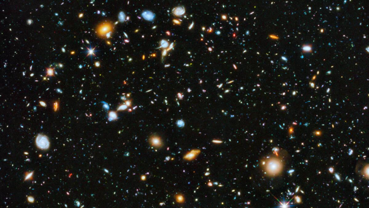 Najnowsze szacunki potwierdzają, że Wszechświat ma około 13,8 miliarda lat
