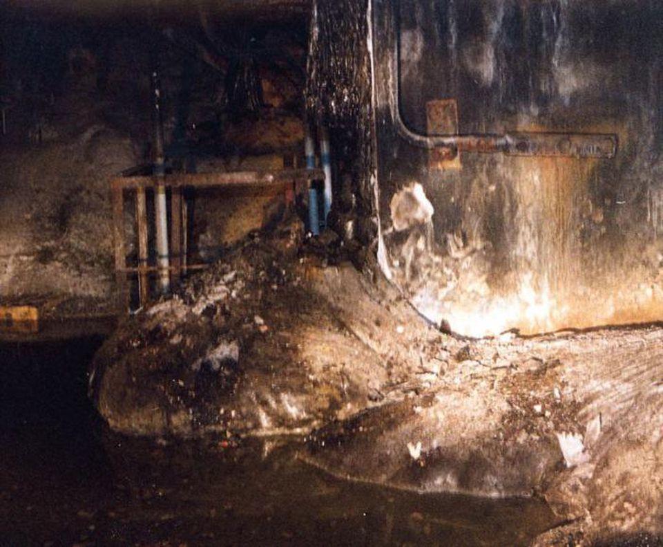 Reakcje jądrowe budzą się w zgliszczach zniszczonej elektrowni w Czarnobylu
