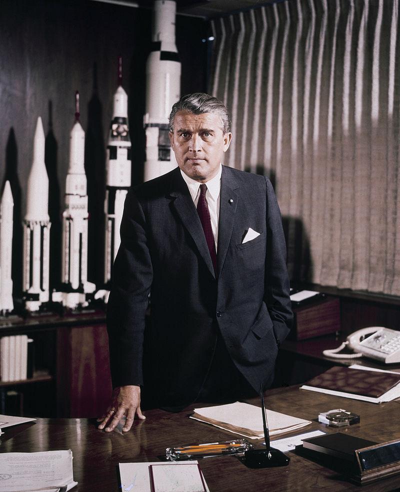 """Książka napisana w 1952 roku przewidziała nadejście """"Elona"""", który będzie rządził Marsem"""