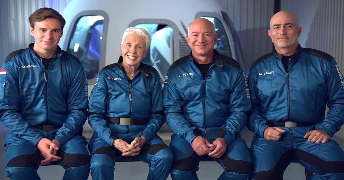 Jeff Bezos właśnie zostaje wystrzelony w kosmos. Przebieg misji jest transmitowany na żywo