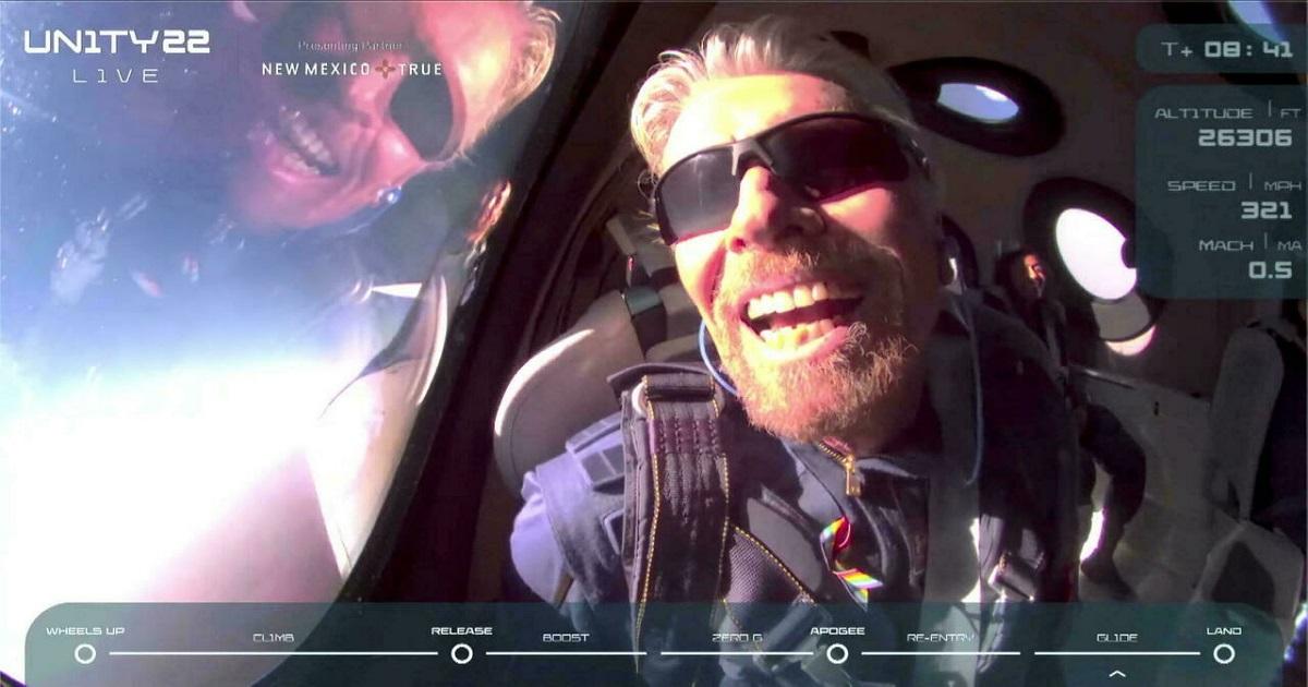 Richard Branson dotarł na skraj kosmosu i tym samym wygrał wyścig kosmiczny miliarderów