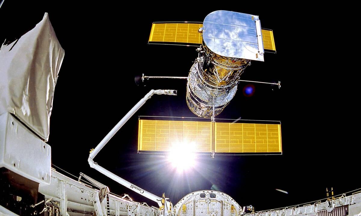Po miesiącu zmagań i prób udało się wznowić funkcjonowanie Kosmicznego Teleskopu Hubble