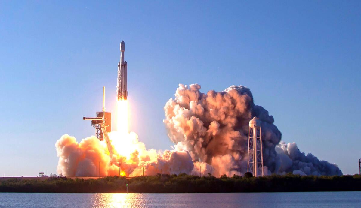 Turystyka kosmiczna i jej wpływ na środowisko. Tej kwestii nie poświęca się wiele uwagi