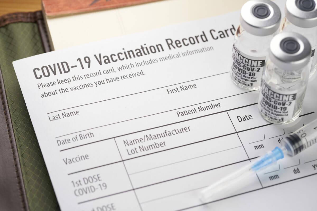 Czy po pełnym zaszczepieniu nadal można zachorować na COVID-19?