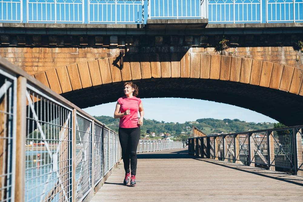 Ile potrzeba kroków dziennie, by przyniosły korzyści zdrowotne? Eksperyment ujawnia nowy cel