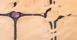 Pustynia pochłania metropolie w Zjednoczonych Emiratach Arabskich, a zdjęcia oszałamiają